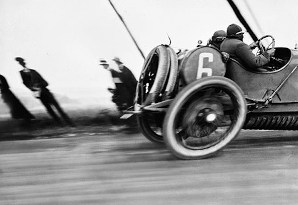 ドラージュ車、A.C.Fグランプリ ル・トレポー 1912年6月26日 Photographie Jacques Henri Lartigue ©Ministère de la Culture - France/AAJHL