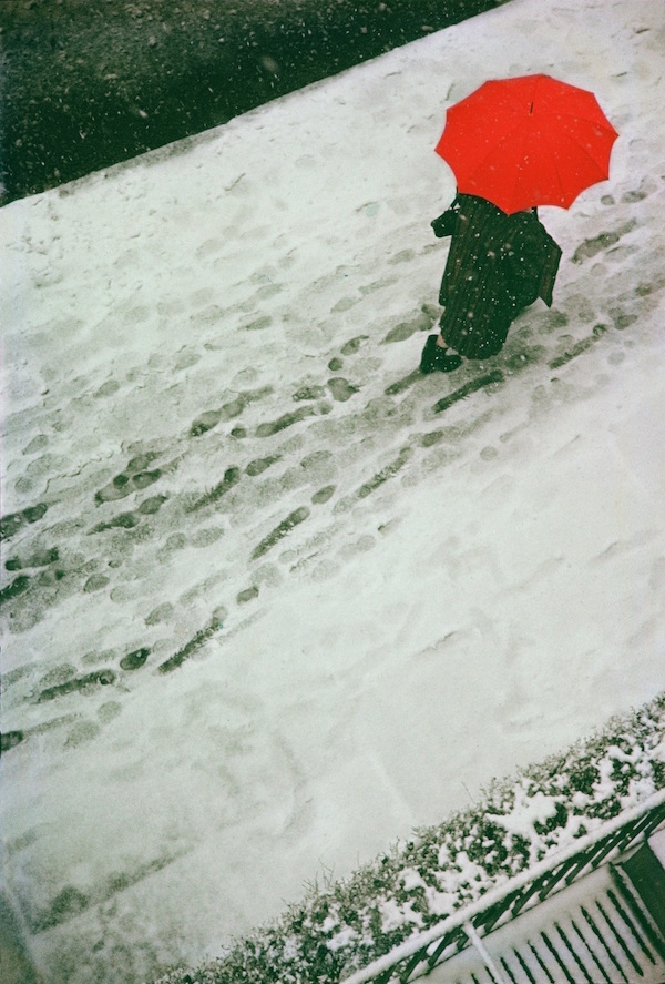 【2S】ソール・ライター ≪Footprints≫ 1950年 ⒸSaul Leiter Estate