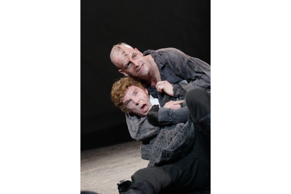 ©11 The Creature (Jonny Lee Miller) and Victor Frankenstein (Benedict Cumberbatch). Photo by Catherine Ashmore